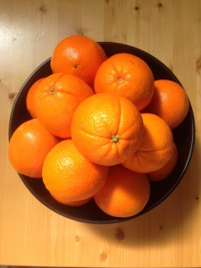 Oranges in bowl-3-foods-that-burn-fat