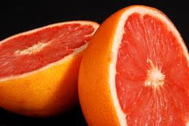 Slice grapefruit-3-foods-that-burn-fat