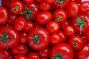Tomatoes-tomato-juice-health-benefits