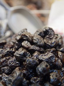 Sweet prunes-prune-health-benefits