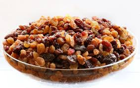 Bowl of raisins-raisins-health-benefits
