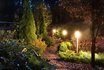 Garden light fixtures