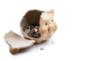 Broken piggy bank-Healthy-diet-on-a-budgets