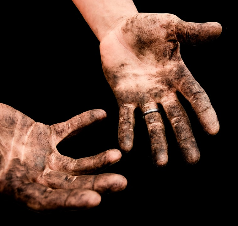 Dirty Hands-hand-care-tips-for-gardeners
