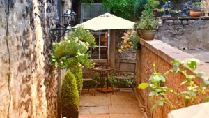 A Courtyard Garden-how-to-create-a-courtyard-garden